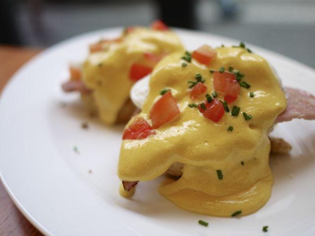 Restoran di Tokyo Dengan Menu Egg Benedict Yang Lezat