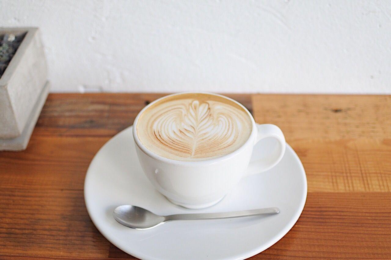 4/4 SEASONS COFFEEのふわふわラテ