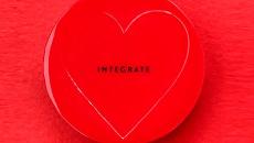 INTEGRATE【透潤柔光粉底凍】小松菜奈代言~用開架打造果凍美肌
