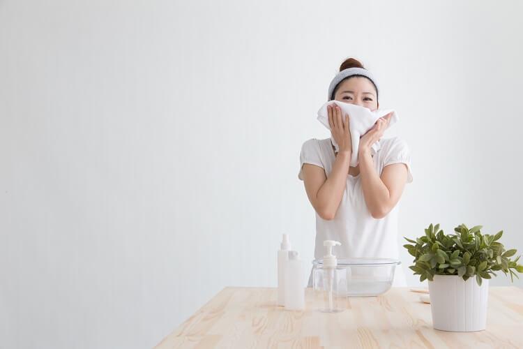 卸妝時同時深層清潔毛孔的小技巧