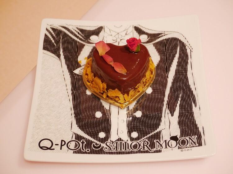 蛋糕-燕尾服蒙面俠玫瑰愛心巧克力慕斯