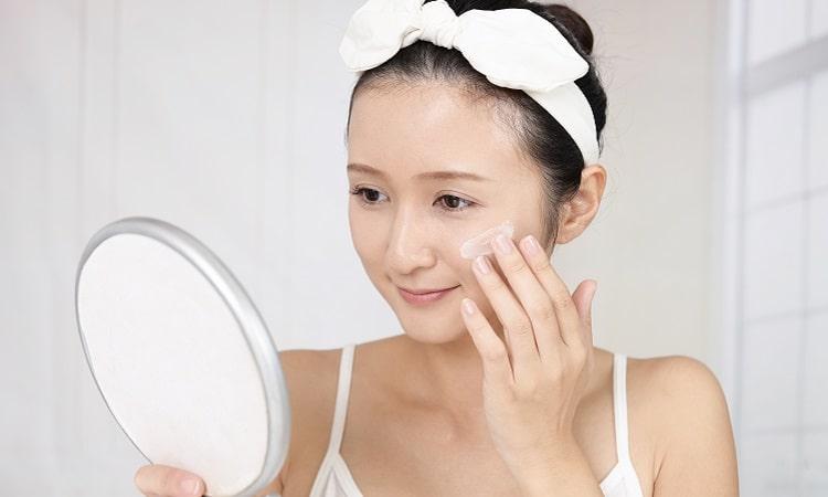 化妝水、乳液、精華液使用示意圖